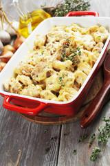 Casserole with cauliflower and chicken