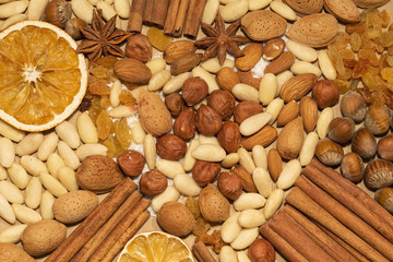 Almonds and hazelnuts with spices