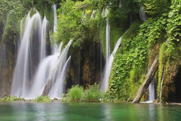 Europa, Kroatien, Jezera, Ansicht Wasserfall am Nationalpark Plitvicer Seen