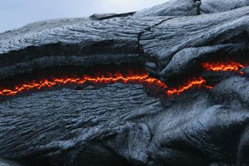 USA, Hawaii, Big Island, Pahoehoe Vulkan, brennender Lavastrom, close up
