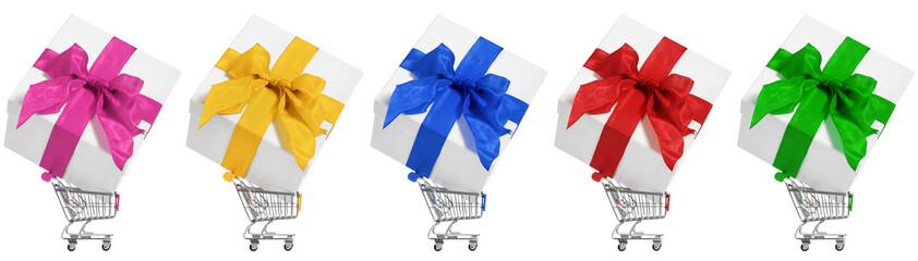 bunte geschenkboxen in einkaufskörben