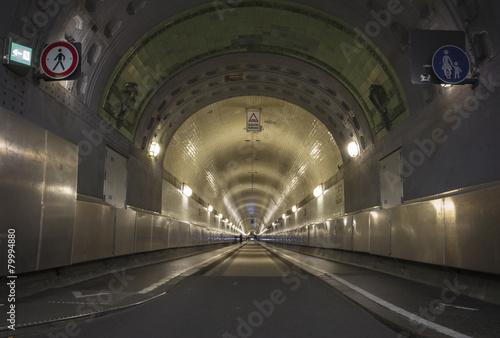 Fotobehang Tunnel Elbtunnel