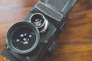Twin-lens reflex camera