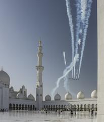 Sheikh-Zayed- Moschee Airshow