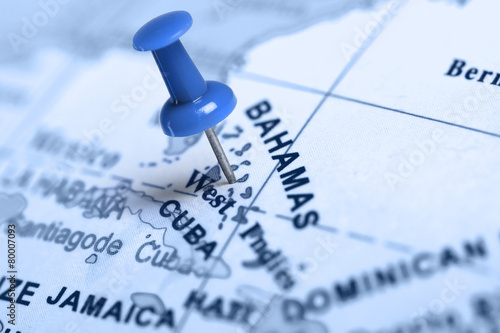 Fotobehang Centraal-Amerika Landen Location Bahamas. Blue pin on the map.