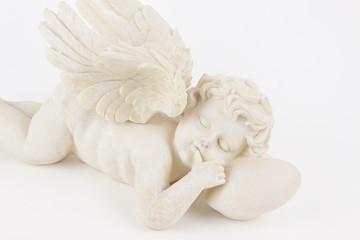 Engel liegend