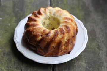 Пирог заливной яблочный, кекс