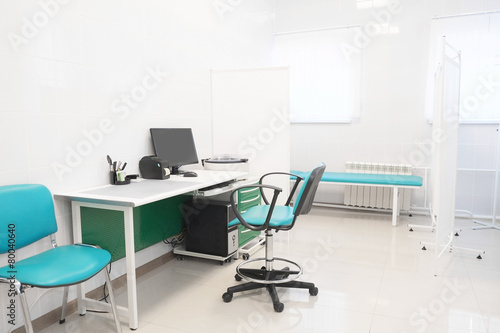The image of an empty doctor's room - 80040640