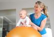 Physiotherapie oder Osteopathie bei einem Baby - 80044657