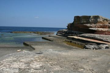 kayalar ve deniz