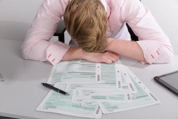 Verzweiflung bei der Steuererklärung