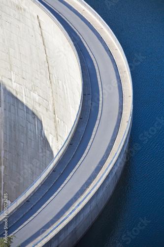 Staande foto Dam Dam wall