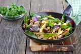 Fototapety Veganes Pfannengericht - Schupfnudeln mit Gemüse