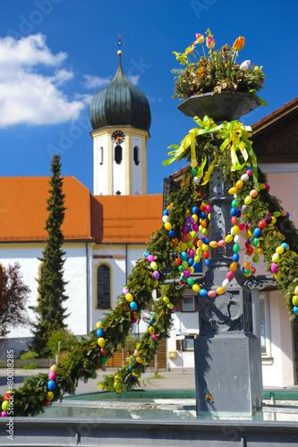 Foto op Plexiglas Fontaine Ostern, Osterbrauch und Osterbrunnen in Bayern
