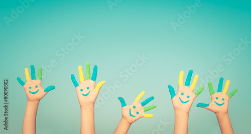 Happy smiley hands - 80090802
