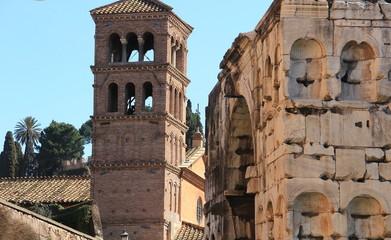 Roma - Torre campanaria della Chiesa di San Giorgio in Velabro