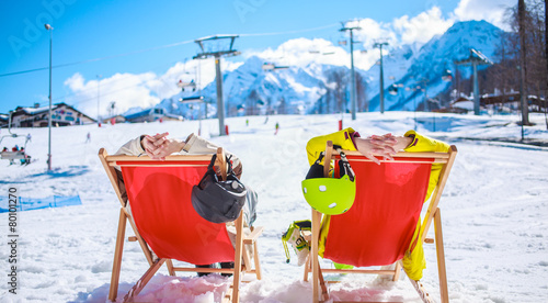 Couple at mountains in winter - 80101270