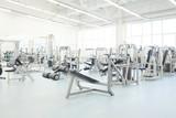 interiér fitness hala s fitness vybavení