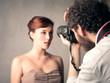 Leinwanddruck Bild - Model posing for a picture