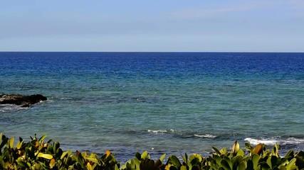 Gentlw Hawaiian waves
