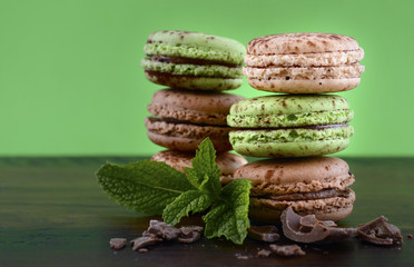 Chocolate and mint flavor macaroons