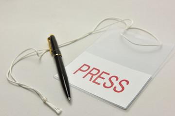 マスコミのプレス証とペン