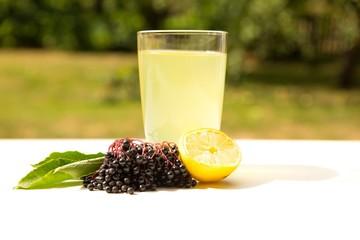 Natürliche Limonade