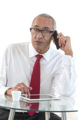 Homme d'affaire Téléphone Mobile