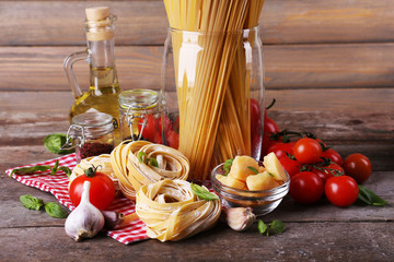Pasta with cherry tomatoes and other ingredients