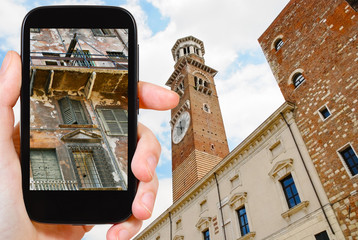 tourist photographs of old house in Verona city