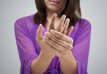 Acute pain in a women wrist
