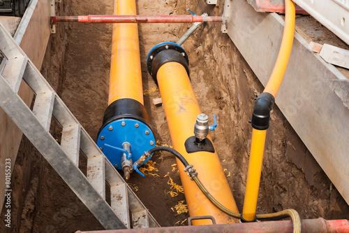 Leinwanddruck Bild Neue PE-Rohre - Arbeiten an der Gasversorgung