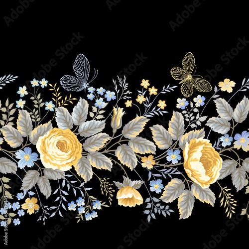 Fototapeta seamless floral border with roses on black background