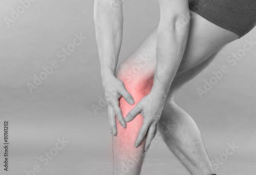 Poster Knieschmerzen - schwarz weiß