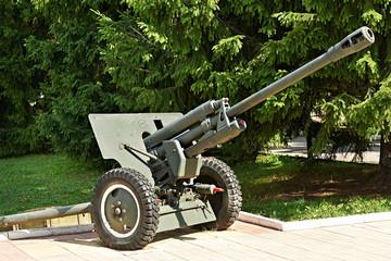 Soviet 76-mm divisional gun M1942 (ZiS-3)
