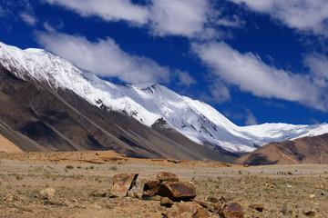 Snow peak mountains of Ladakh, Changla Pass, Leh, J&K, India