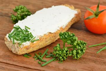 Cream Cheese / Bread / Herbs / Tomato