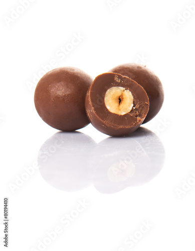 Chocolate balls with over white background - 80194410