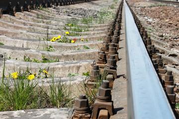 Railway rail that goes away