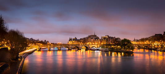 Ile de la Cite and Pont Neuf at sunrise - Paris