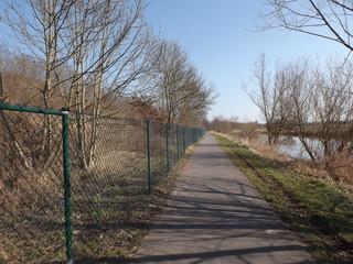 Zaun am Radweg