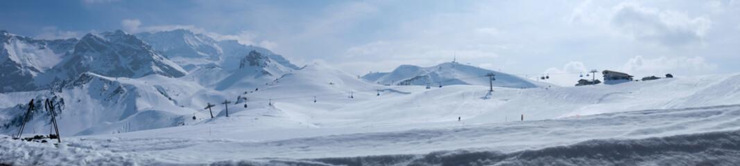 Berglandschaft mit Gondelbahn