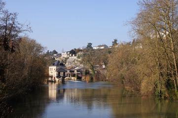 le clain traversant Poitiers