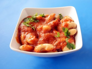 bean with tomato sauce and herbs