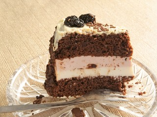 chocolate cake with filling