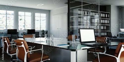 Konferrenztisch mit Laptop