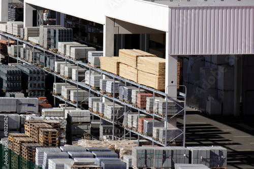 Leinwanddruck Bild Freifläche eines Baustoffhandels
