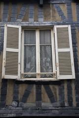 Francia,la Rochelle, una finestra.