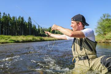 Natur genießen beim Fliegenfischen