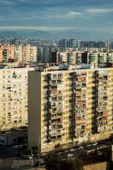 Palazzi di edilizia popolare alla periferia di una città